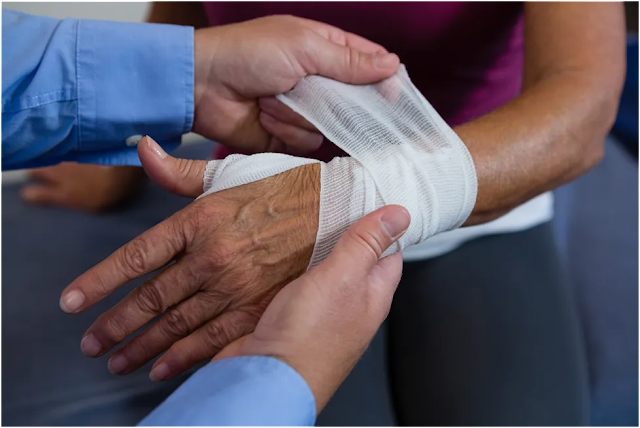 What is Tennis Elbow Treatment, Symptoms, Causes, and Brace?