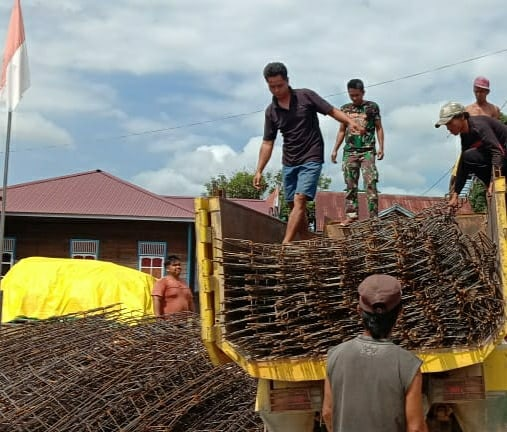 Pra TMMD Ke-110 Kodim 0912/Kubar, Semenisasi Jalan Kampung dan Membuat Demlot
