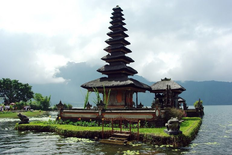 Bedugul Ulundanu Lake Beratan & Tanah Lot Sea Temple Tour Packages - Bali, Holidays, Tours, Attractions, Temples, Hindu, Bedugul, Ulundanu, Lake, Beratan