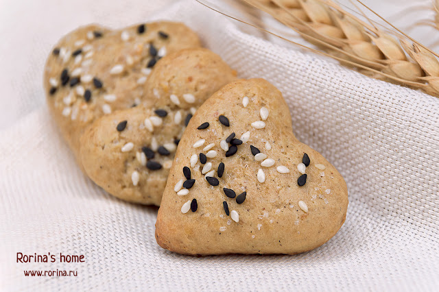 Печенье с черным и белым кунжутом