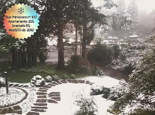 Vista do apartamento Gramado com neve em 2013