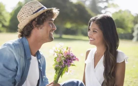 9 Fakta Ilmiah Tentang Cinta