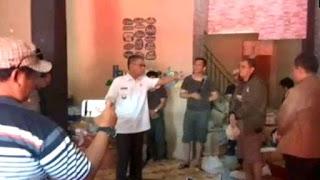 Bupati nias selatan marahi jajaran KPU