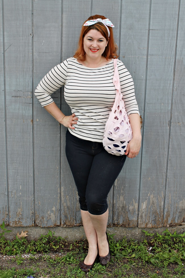 vintage 1960s plus size casual style and bouffant hair via Va-Voom Vintage