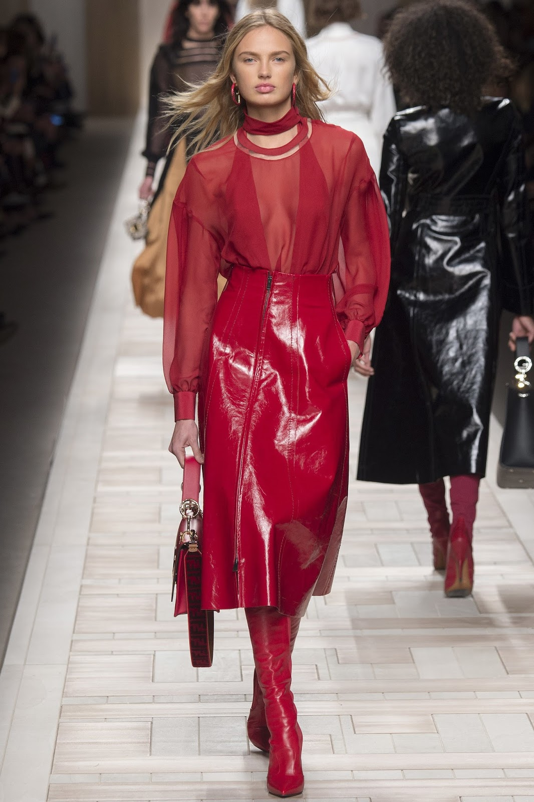 MFW Autumn/Winter 2017 Fall red patent leather skirt