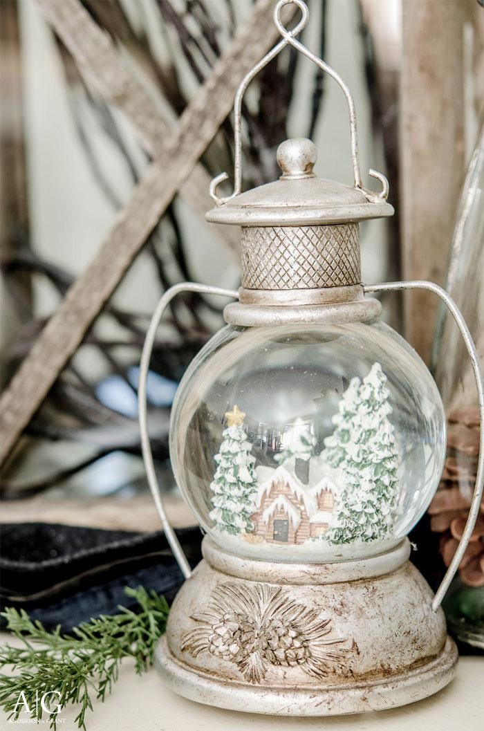 Winter scene in a lantern | www.andersonandgrant.com