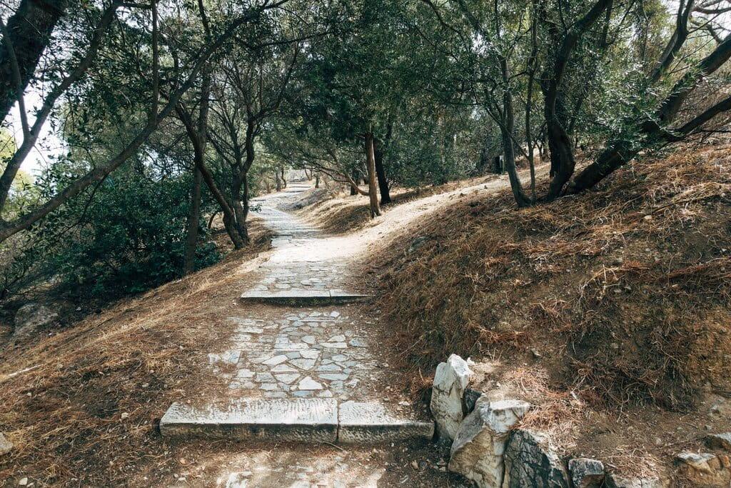 unique places to visit in greece