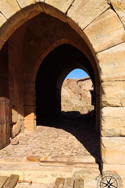 puerta castillo de Montizón