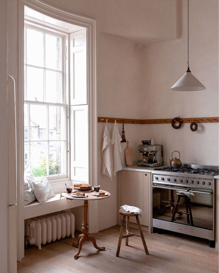 Monday Mood: An Edinburgh Home That celebrates A Slower Pace of Life
