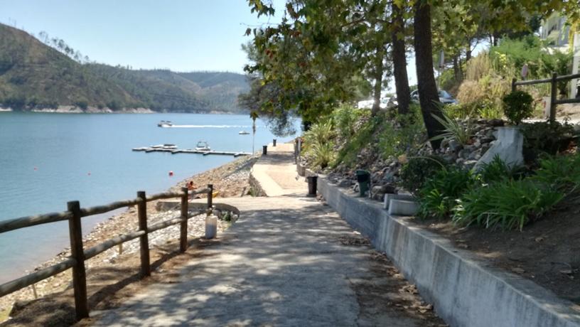 Entrada Praia Fluvial Castanheira
