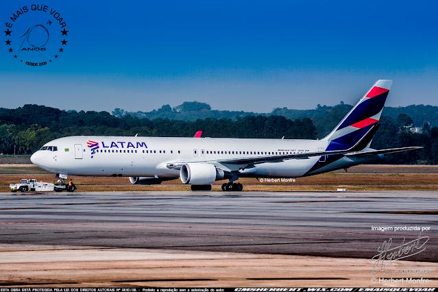 LATAM vai converter até oito Boeing 767-300ER em cargueiros |  | Foto © Herbert Monfre - Fotógrafo de avião - Eventos - Publicidade - Ensaios - Contrate o fotógrafo pelo e-mail cmsherbert@hotmail.com | Imagem produzida por Herbert Pictures - É MAIS QUE VOAR