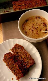 Υπέροχο κέικ καρότου-καρύδας χωρίς αλεύρι κ ζάχαρη