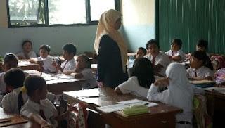 Guru PNS Sekolah Swasta haru ditarik