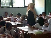 Guru PNS yang Bertugas di Sekolah Swasta Harus Ditarik