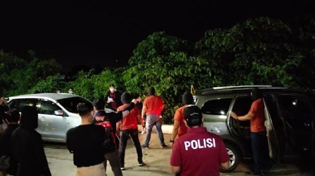 Rekonstruksi Terakhir, 4 Laskar FP1 Ditembak dalam Mobil Polisi