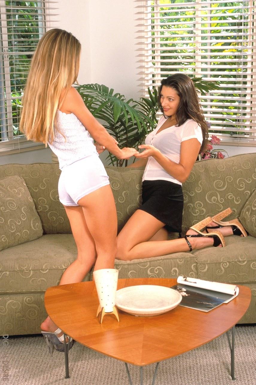 Ditaldesire blake joanne barbie 20081218 girlfriends-zip-1600-zip