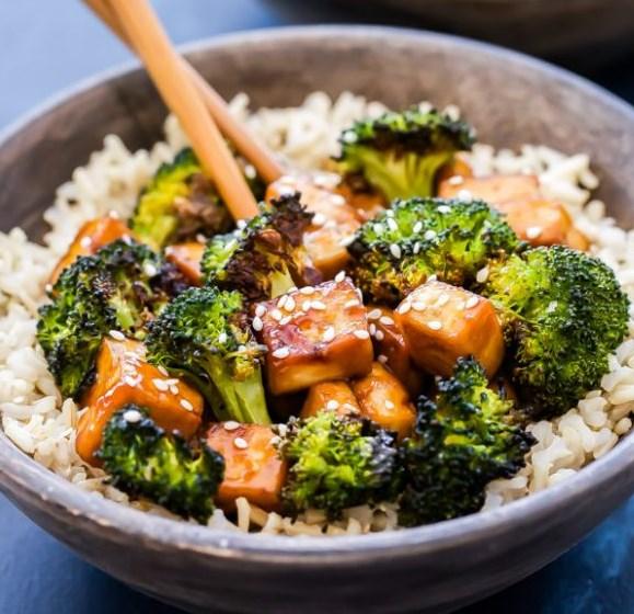 SHEET PAN CRISPY TERIYAKI TOFU AND BROCCOLI #vegetarian #vegan