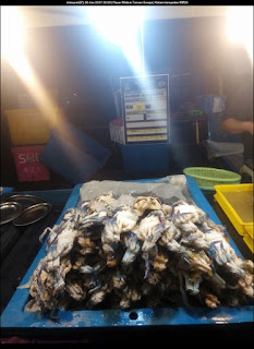 Gambar ketam tempatan di Pasar Malam Taman Seroja berharga RM 29