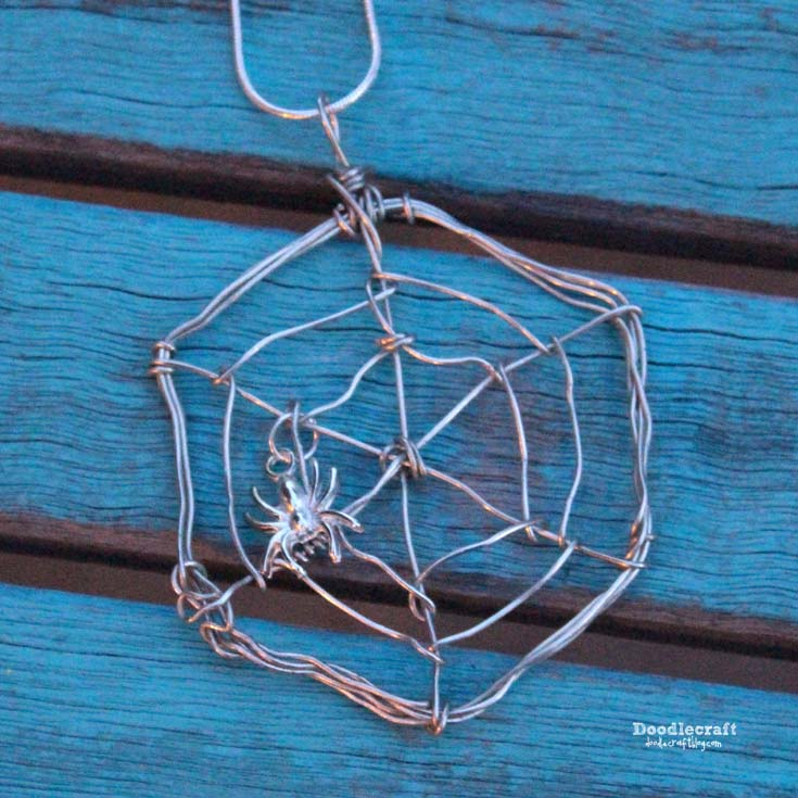 Doodlecraft: Wire Wrapped Spider Web Necklace!