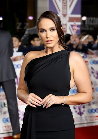 Vicky Pattison Clicks at Pride of Britain 2019 Awards in London 28 Oct-2019
