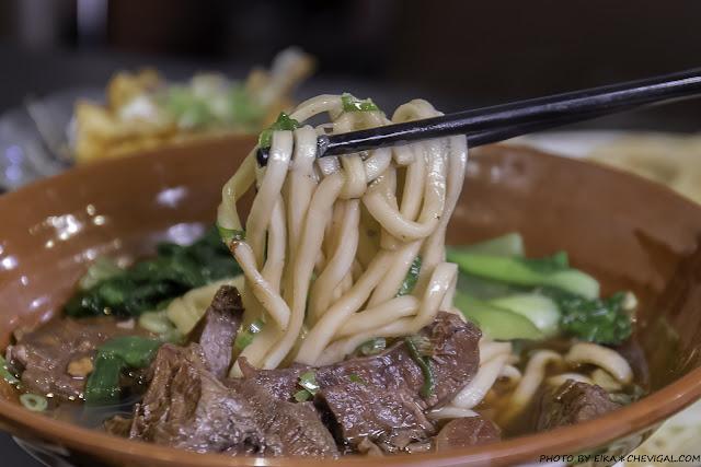 MG 6740 - 陋巷之春老家牛肉麵搬家囉!用餐時段更是一位難求,還有甜湯、點心自行取用好佛心!