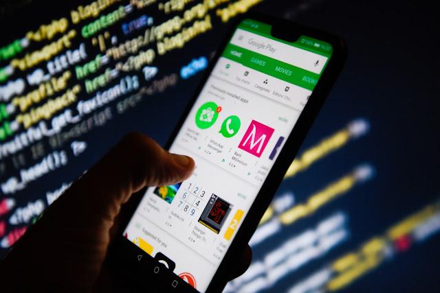 قائمة بتطبيقات أندرويد خطيرة ومنتشرة يجب عليك حذفها من هاتفك فورًا