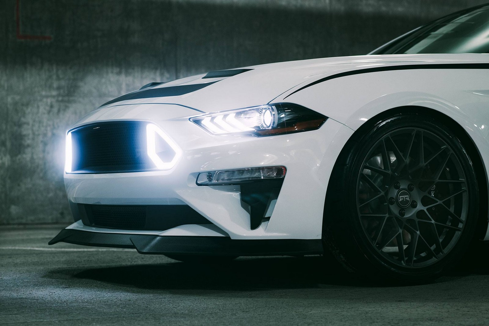 2018 ford mustang rtr bringing 700 hp to sema. Black Bedroom Furniture Sets. Home Design Ideas