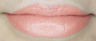 Avon mark. Epic Lip Lipstick in Get Cheeky