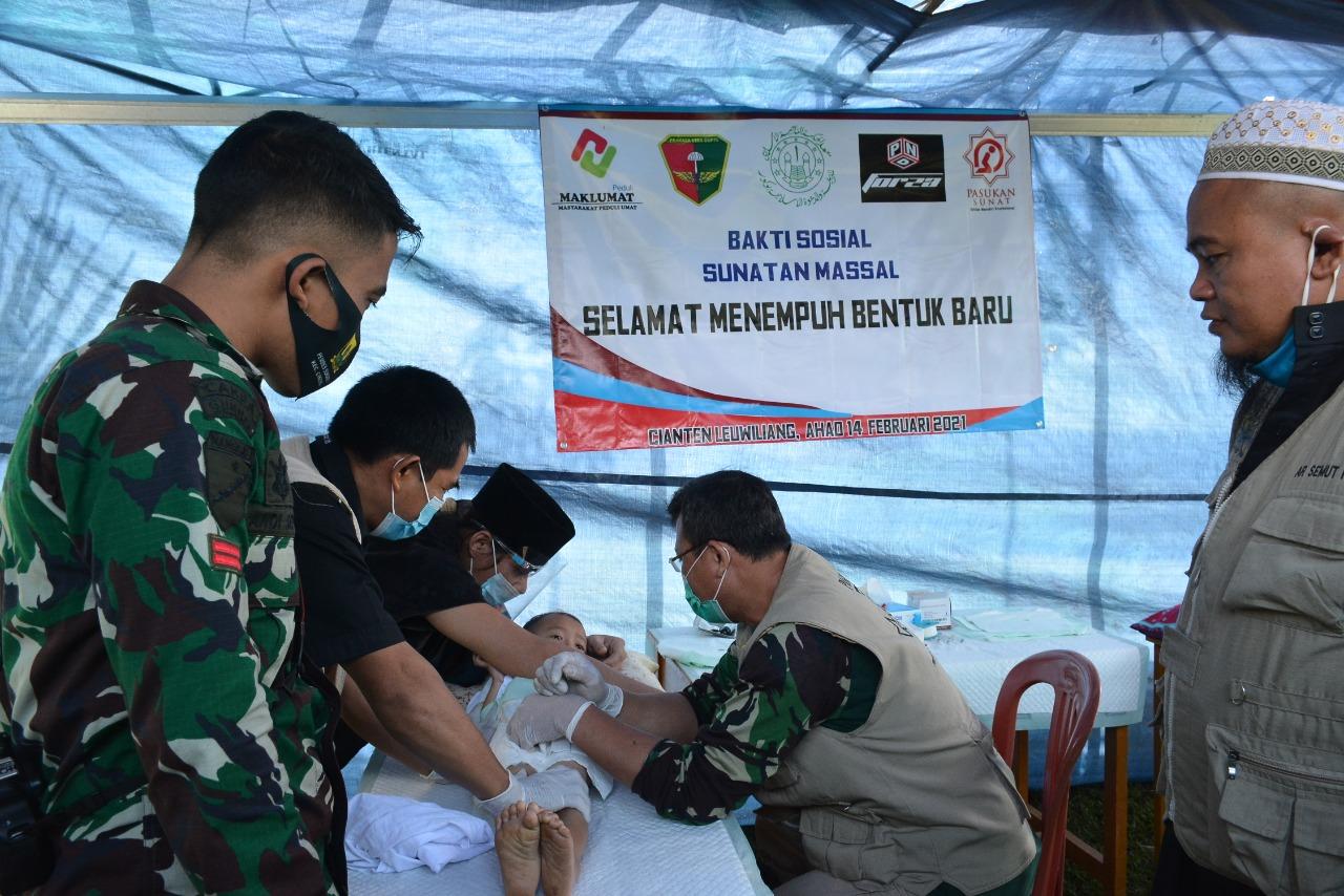 Divif 1 Kostrad Gelar Khitanan Massal di Bogor