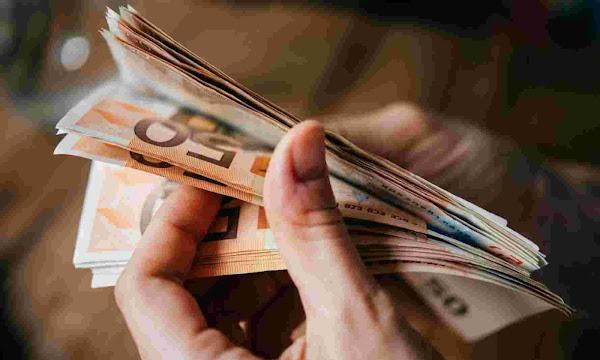 Δέκα δισ. φόρων καλούνται να πληρώσουν φορολογούμενοι και επιχειρήσεις