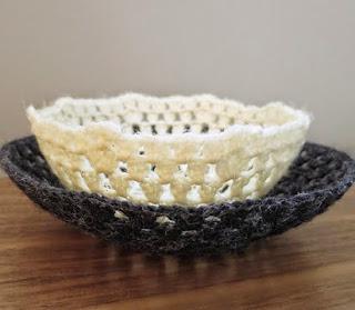 http://translate.googleusercontent.com/translate_c?depth=1&hl=es&rurl=translate.google.es&sl=auto&tl=es&u=http://www.justcraftyenough.com/2014/03/iron-craft-14-challenge-6-crocheted-bowls/&usg=ALkJrhgfV9sVP17AqV_KpHApfCvvQcFn0Q