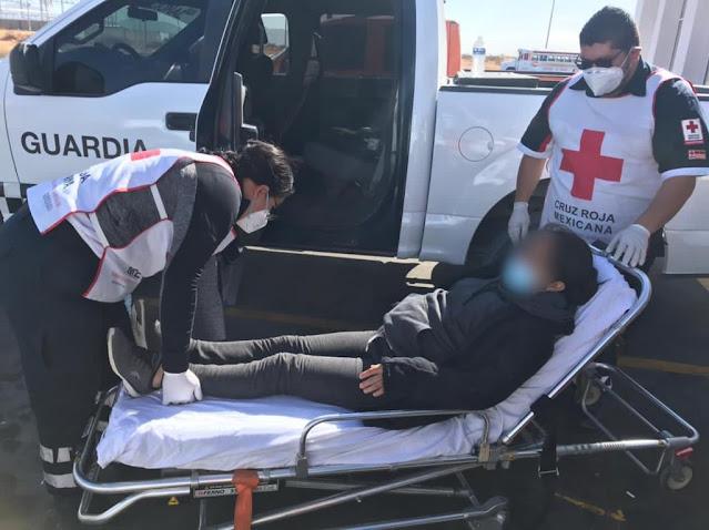 Rescatan a migrante ecuatoriana con embarazo avanzado y extraviada en el desierto
