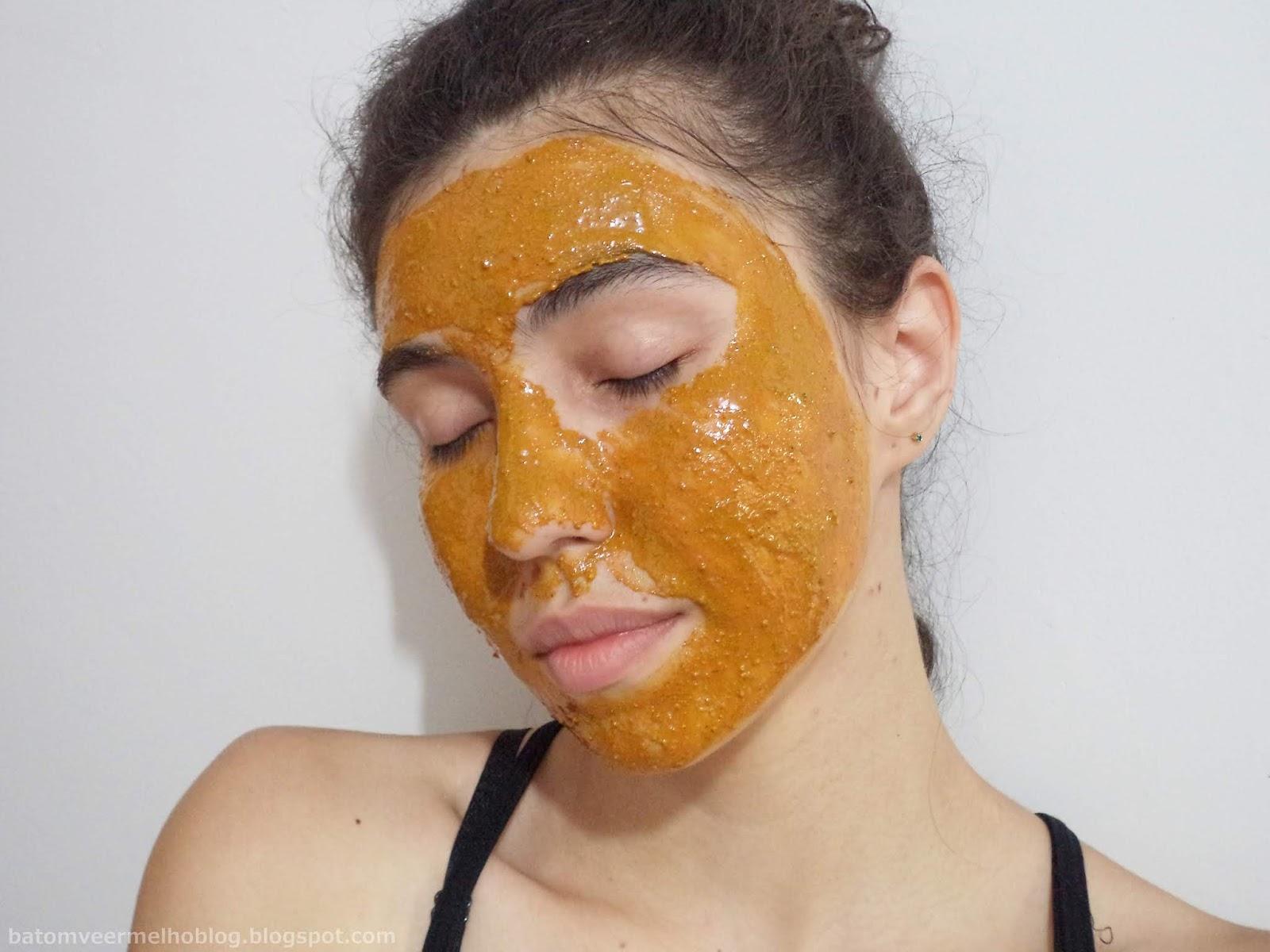 Máscara de açafrão e mel