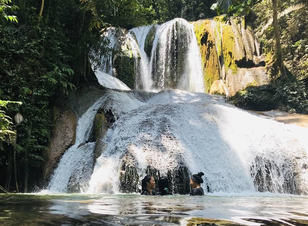 Air Terjun Saluopa Surga Di Belantara Poso Fachrul Hidayat