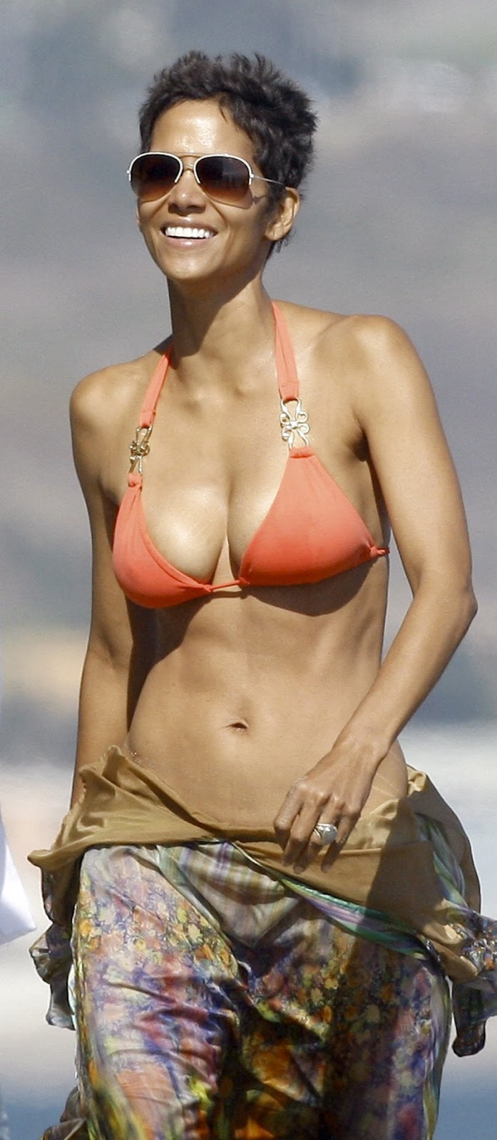 Halle Berry Hot Halle Berry Photos