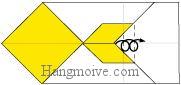 Bước 7: Gấp cạnh giấy sang phải (hai lần gấp)