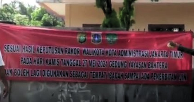 Pemkot Jakarta Timur Menutup Gereja yang Melanggar Perizinan