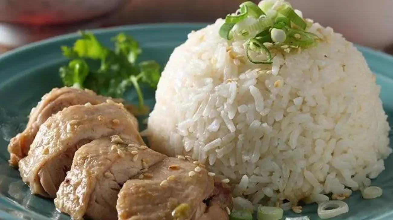 Resep Nasi Ayam Hainan, Enak, Gurih, dan Juicy