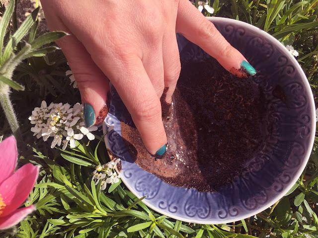 gommage corps marc de café gel aloe vera