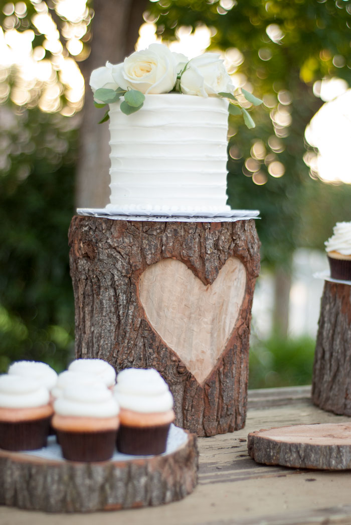 Diy Woodsy Country Glam Heart Stump Wedding Cake Stand