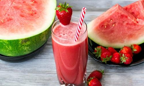Jus semangka turunkan demam anak