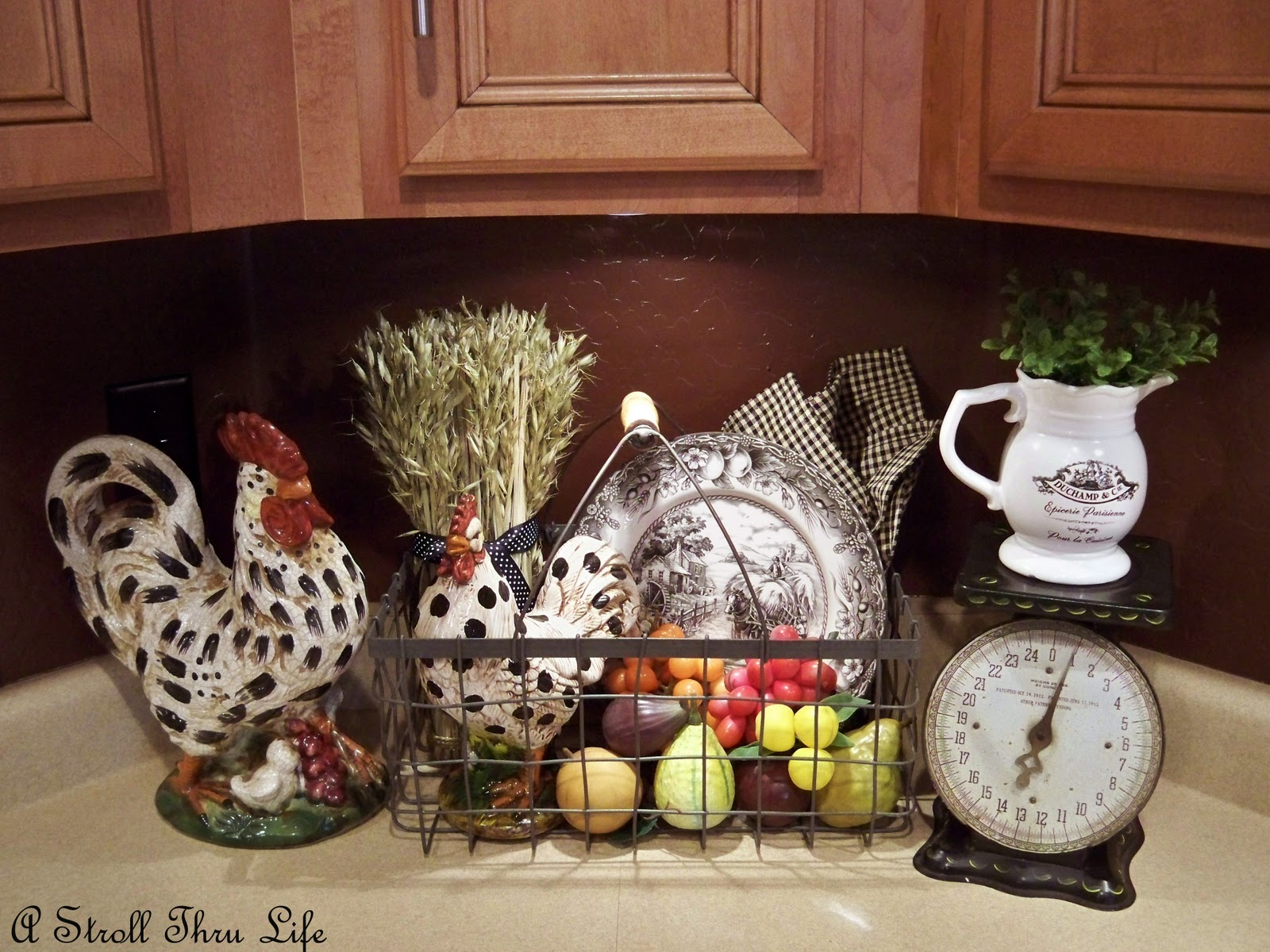 Black And Red Rooster Kitchen Decor