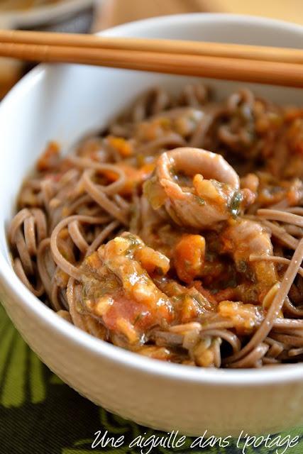 Nouilles soba, calamars aux tomates confites Guyader