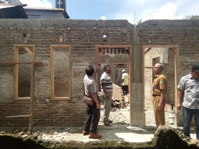 KPM Lubuk Sikaping Bedah Rumah Warga Miskin