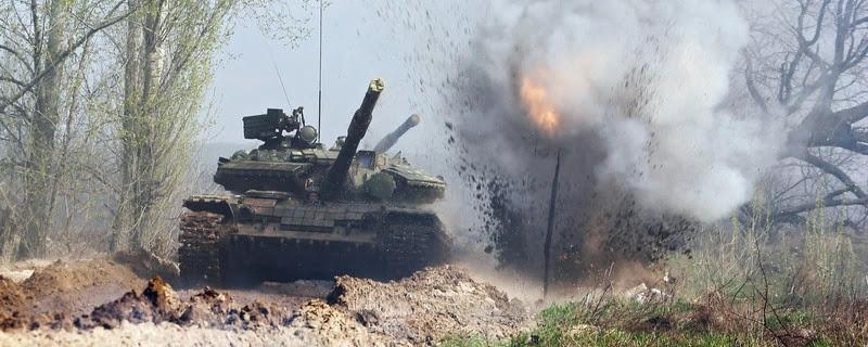 Коли навідник відкрив люк ми побачили, що горимо, а вогонь вище танка...