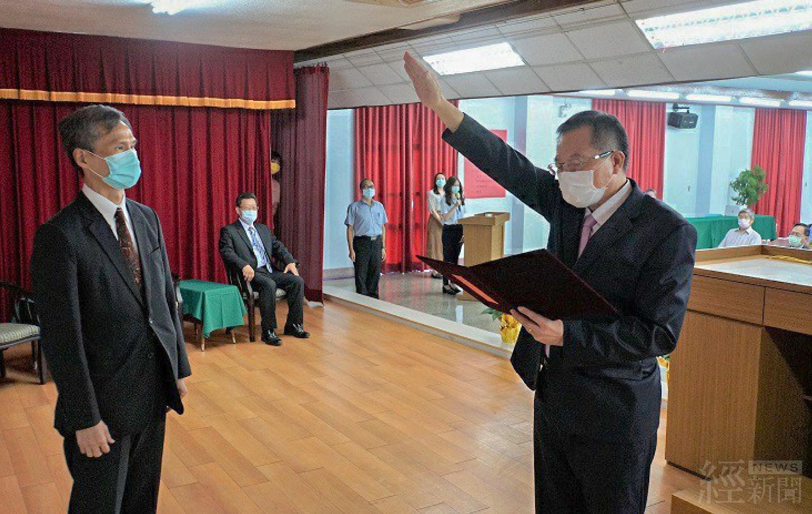 董事長胡南澤宣示就任