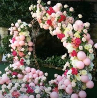 Hintergrunddekoration mit Luftballons für die Hochzeit.