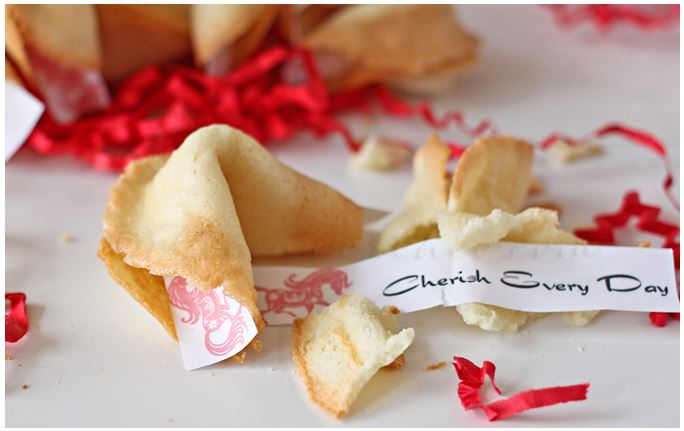 Valentine's Day Homemade Fortune Cookies with Free Printable #valentinesday