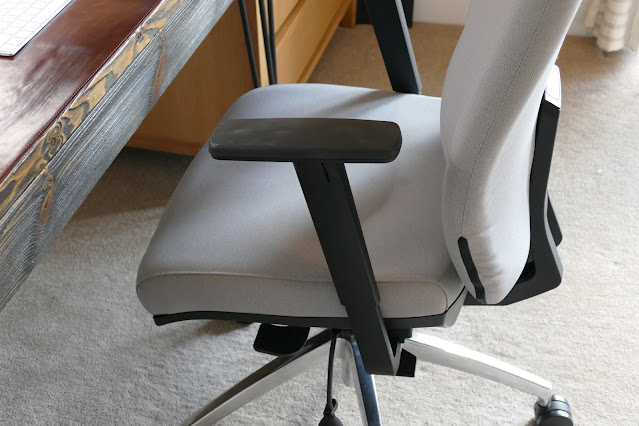 Summit At Home review,Summit At Home reviews,Summit At Home blog review,Summit At Home chairs,Summit At Home sensit plus,best office chairs for students,made in England chairs,