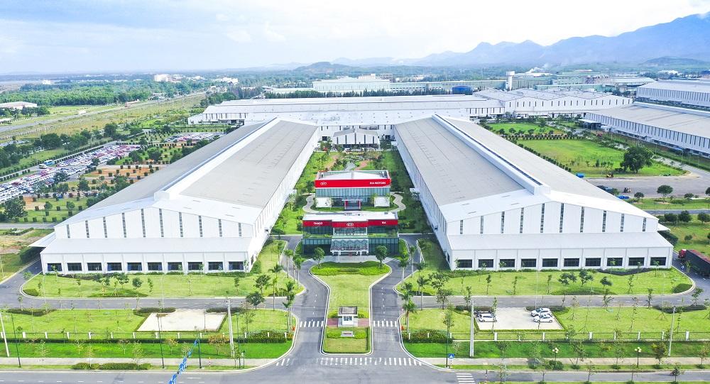Thaco xuất khẩu xe du lịch Kia đạt chuẩn toàn cầu